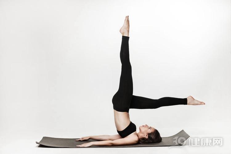 高效瘦腿:4个动作,打造笔直大长腿! 瘦腿 第3张