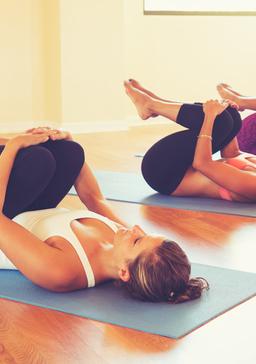 简单一式快速减肥瑜伽 轻松瘦手臂 瑜伽减肥 第2张