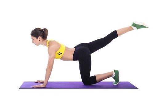 4月减肥宝典:5款美食 4招瑜珈 4月减肥宝典:5款美食 4招瑜珈 瑜伽减肥