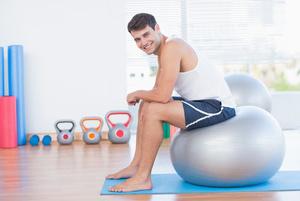 瑜伽球8个动作完美修形 瑜伽减肥 第1张