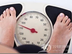 40896.jpg 聚餐中控制糖质摄入 照样吃喝身材不走样 水果减肥