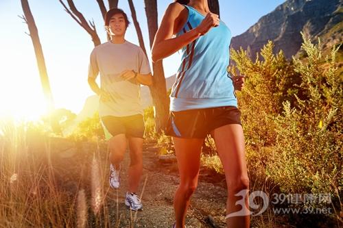 青年 男 女 跑步 运动_18911503_xxl 如何预防运动猝死及自我评估运动风险 运动减肥