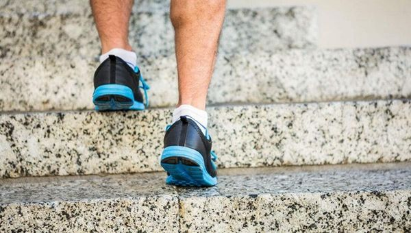 瘦身减肥减肚子的动作 瘦身减肥减肚子的动作有哪些 瘦身减肥动作