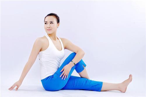 最减肥的瑜伽行动 最减肥的瑜伽动作,教你每天用空闲时间减肥 瘦身减肥动作