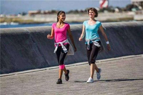 晚上跑步可以减肥 晚上跑步可以减肥吗?减肥最好的时间在什么时候 跑步减肥