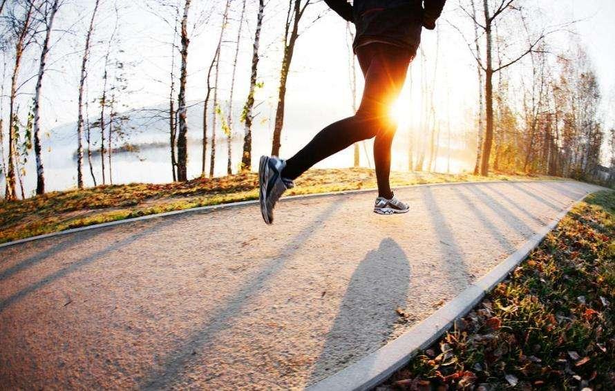 原地跑步减肥 原地跑步减肥能不能行?减肥的有效办法 跑步减肥