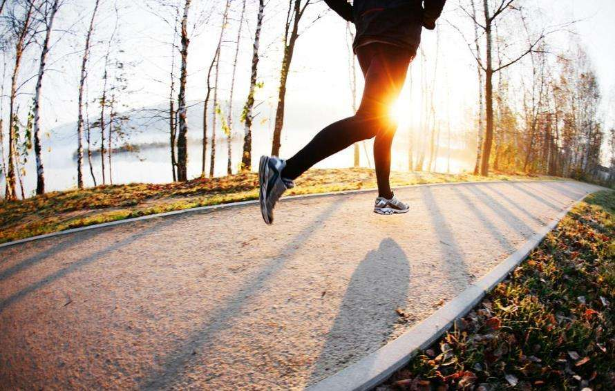每天跑步多久能减肥 每天跑步多久能减肥?抓住要领去脂不长肌肉 跑步减肥